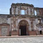 In Antigua gibt es unzählige Kirchen und Klöster.
