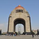 Monumento a la Revolución auf der Plaza de la República.