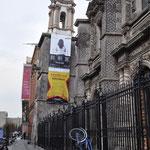 Viele Gebäude in Mexiko-Stadt sind schief, da sich der Boden immer mehr absenkt.