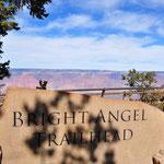 Wir wanderten auf dem Bright Angel Trail ein Stück in den Canyon.
