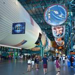 Die Rakete füllt mit knapp 111 Metern Länge locker eine ganze Halle.