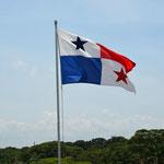 Seit dem 31. Dezember 1999 ist der Panama-Kanal unveräusserliches Eigentum des panamaischen Volkes. Der vollständige Betrieb, die Verwaltung und Instandhaltung gingen von den USA auf Panama über.
