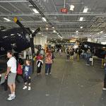 Im Innern des Rumpfs, hier wurden die Flugzeuge untergebracht.