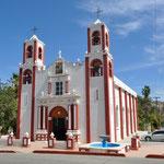 Diese schöne Kirche steht in Santiago.