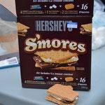 S'mores - eine leckere Süssigkeit. Man nehme: Marshmallows, Schokolade und Kekse. Zuckersüss und unerwartet fein :-)