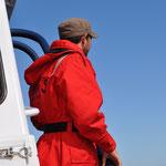 Brendon, unser Guide, auf Wal-Suche