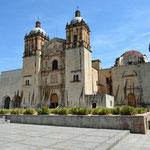 Die Kirche und der Ex-Konvent Santo Domingo ist die grösste in Oaxaca. Gleich nebenan befindet sich das Museum der Kulturen von Oaxaca.