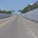 Nach der Grenze Mexiko's gehts durch einen langen Korridor in Richtung Belize-Grenze.