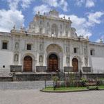 Die schöne Kathedrale San José.