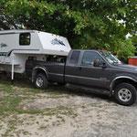 """Um die Servicearbeiten an unserem Truck ausführen zu lassen, mussten wir unser """"Häuschen"""" abladen."""