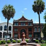 Das Gebäude der Cotton Exchange erinnert an die Baumwollära, welche der Stadt zu Wohlstand verhalf.
