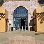 Der Eingang zu Mine El Edén ist nur einen kurzen Fussmarsch von unserem Stellplatz entfernt.