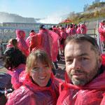 Wir sind bereit für die nasse Bootsausfahrt.