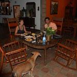 Axel, der Besitzer, hat uns spontan zum Nachtessen eingeladen.