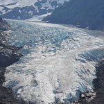 Schöner Bear Glacier mit Gletschersee.
