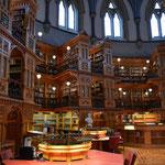 Die Bibliothek im Parlamentsgebäude.