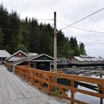 Der Pier mit alten, zurechtgemachten Häusern