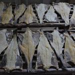 Kabeljau ist gesalzen und getrocknet lange haltbar. Somit war es früher ein ideales Nahrungsmittel für die Schiffsbesatzungen.