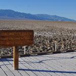 Salzwassersee im Death Valley.