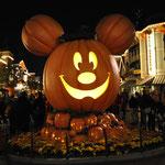 Halloween überall, auch im Disneyland.