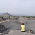 Früh am Morgen hatten wir die Pyramiden für uns alleine... eine super schöne Stimmung, die wir lange genossen haben.