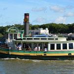 Mit diesem Boot tuckerten wir auf dem Savannah River herum.