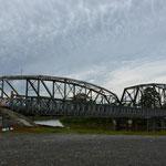 Dies ist die Grenzbrücke zwischen Costa Rica und Panama am Grenzübergang Sixaola/Guabito.