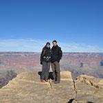 Mit dem kostenlosen Shuttlebus fuhren wir dem Canyon entlang und genossen die Ausblicke an den zahlreichen Aussichtspunkten.