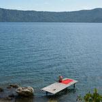 Willi geniesst den schönen Platz an der Laguna de Apoyo ebenfalls.