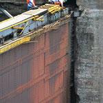 Wenn gerade kein Schiff in der Schleuse ist, wird fleissig repariert.