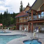 Es gibt jedoch auch warme bzw. heisse Pools mit 38 resp. 42 Grad.