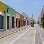 Die Häuser in der Altstadt wurden liebevoll restauriert und zeigen sich farbig.
