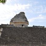 El Caracol (der Schneckenturm) diente als Observatorium und war einer der wenigen Rundbauten in der Welt der Maya.