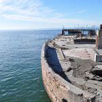 Ein gesunkenes Schiff, welches seinerzeit tatsächlich aus Zement gebaut worden war.