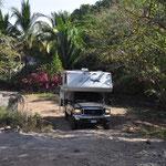 Zeit für die Rückfahrt. Auf ausgewaschenem Weg durch den Dschungel. Unser Camper wurde heftig durchgeschüttelt.