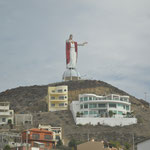 Beschützt hier Jesus etwa die Bausünden an der Küste vor Ensenada?