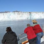 Vor dem Gletscher in Warteposition und auf einmal...