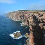 Schöne Klippen am Cape Saint George.