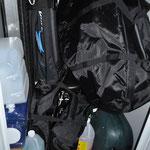 Die Rückbank im Truck ist nun frei, dafür der Schrank voll!