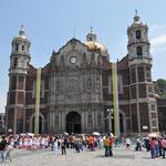 Gleich nebenan steht die Basílica Antigua.