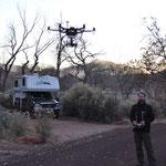 Claudio fröhnt seinem Hobby und schiesst ein paar Luftaufnahmen mit seiner ferngesteuerten Drohne.