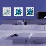 Quadri Floreali </br> Colore: bianco - decoro fiore azzurro  </br> Codice: SI-102 | Misura: tris 45x45 cm/cad