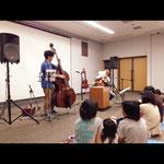 2013.9.16 「えとおとスケッチ」in 武雄市図書館  読み、唄 あかおかずのり