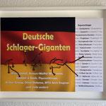 """Exportschlager"" | Nägel, Papier, Holzrahmen | 40 x 50 x 13 cm"
