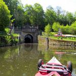 Einfahrt in den Schiffstunnel Weilburg