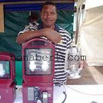 Cyrille BOMBA l'inventeur de la lampe à énergie solaire
