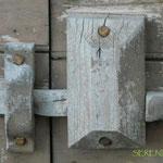 Lucchetto in legno (AQ)