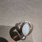 Ring in Weißgold mit Opal