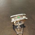 Ring in Weißgold welcher sich auseinaderschrauben lässt mit Saphirglas und Paraiba Turmalin