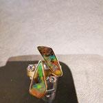 Ring in Gold mit 2 Brillanten und 2 Boulderopalen